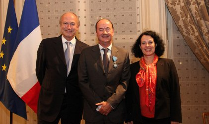 L'Oréal's Geoff Skingsley decorated with the Ordre National du mérite