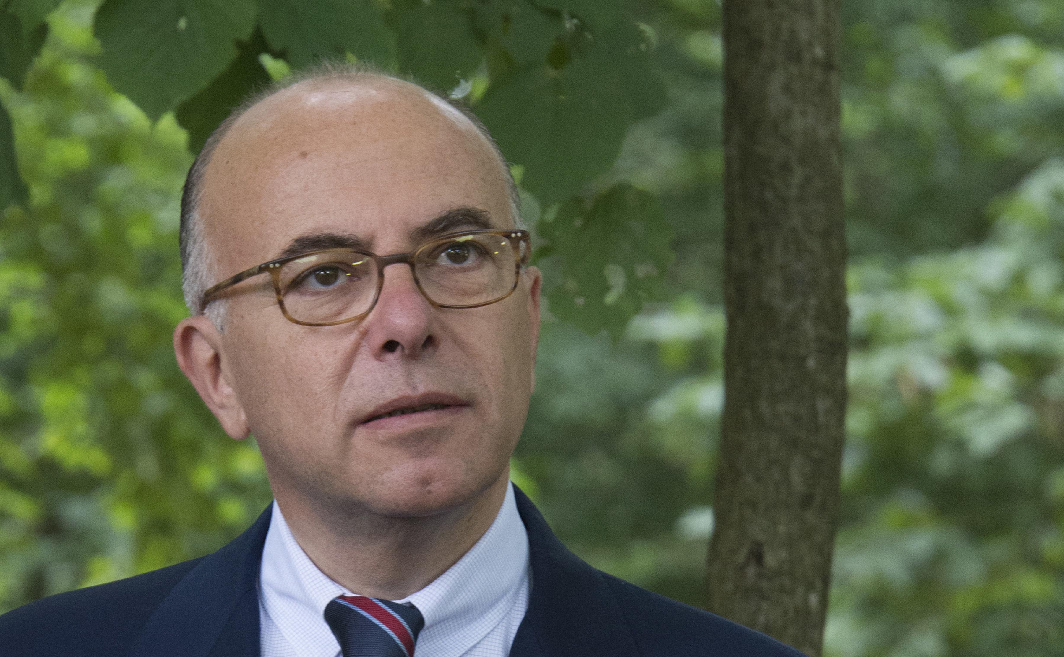 Entretien de bernard cazeneuve dans la croix france in for Chambre commerce franco britannique