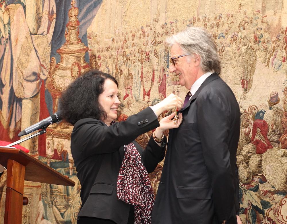 Sir paul smith re oit les honneurs de la france france for Chambre de commerce franco britanique