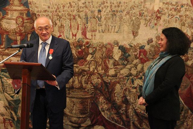 Marc roche d cor de la l gion d honneur france in the for Chambre de commerce franco britannique