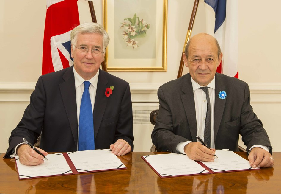 Minister Le Drian Signs Agreement With Michael Fallon France In